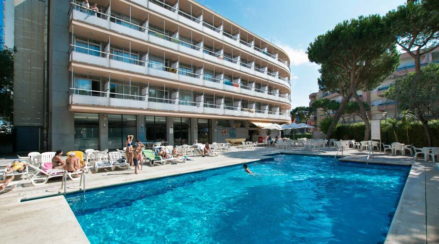 Pool-terrace hotel platja daro